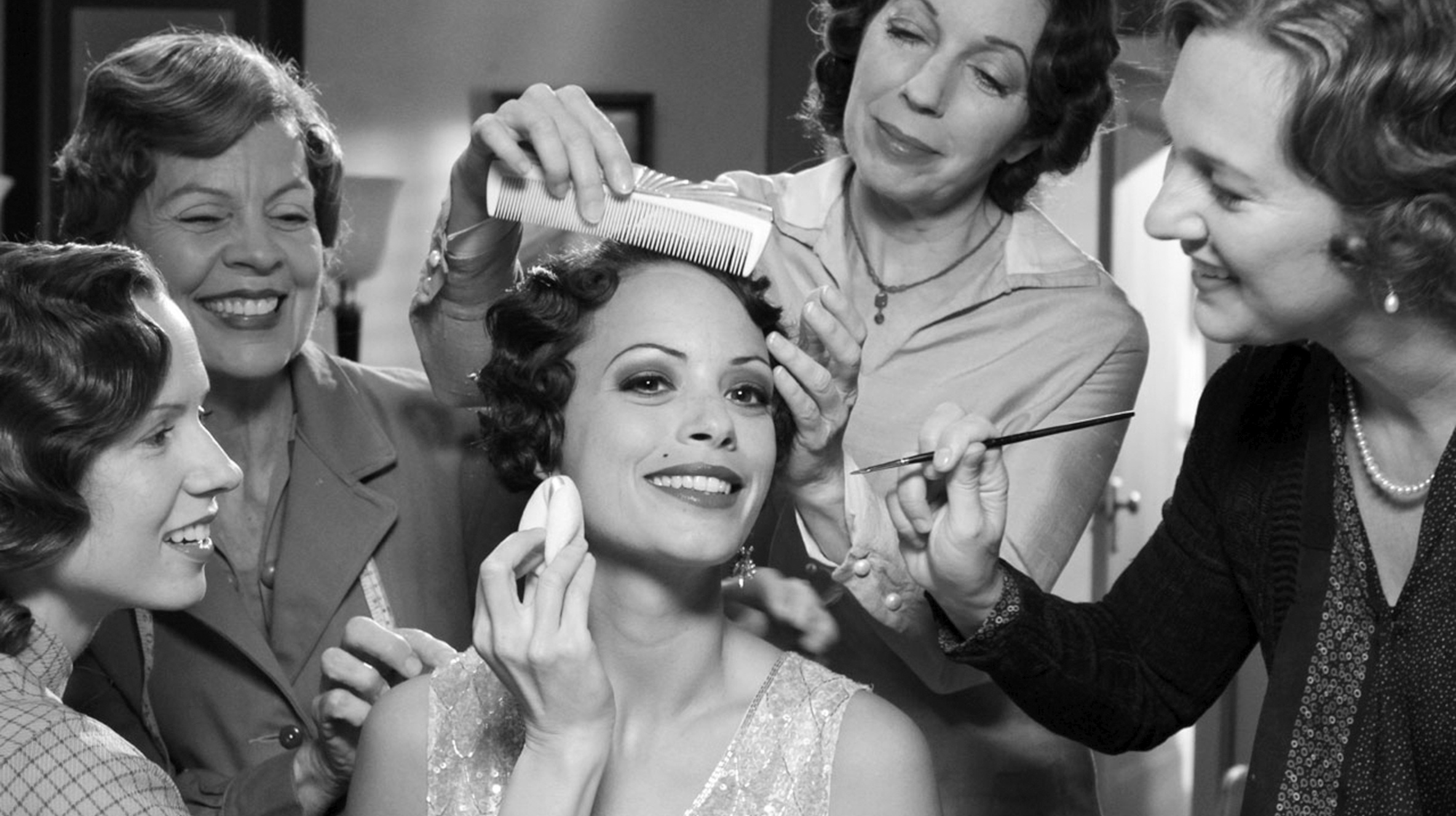 The Artist (2011), directed by Michel Hazanavicius and starring Jean Dujardin and Bérénice Bejo / Oh Comely